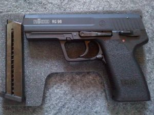 Die RG96 mit Magazin
